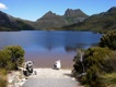 Nicole am See vom Cradle Mountain