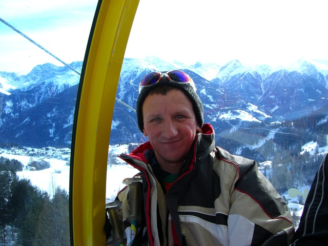 thomas in der seilbahn skifahren serfaus 2006. Black Bedroom Furniture Sets. Home Design Ideas